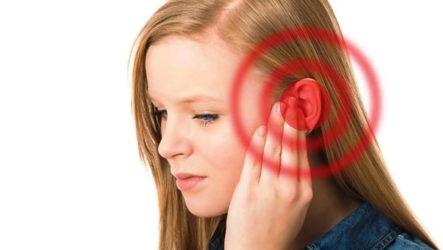 От чего может болеть ухо