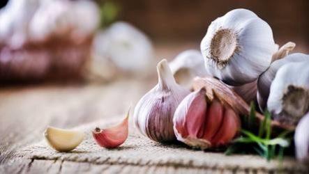 Как убрать запах чеснока
