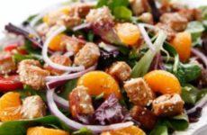 Теплый салат с кунжутом: секреты здорового питания