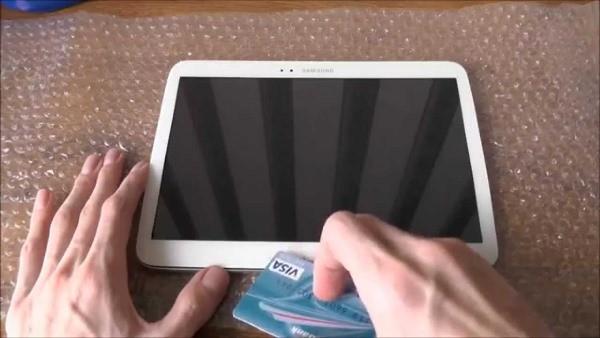 Как снять крышку с планшета