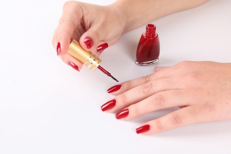 Как красить ногти в домашних условиях