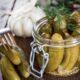 Как приготовить огурцы в виноградных листьях