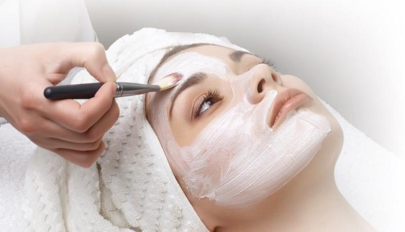 Миндальная кислота для лица - применение в косметологии